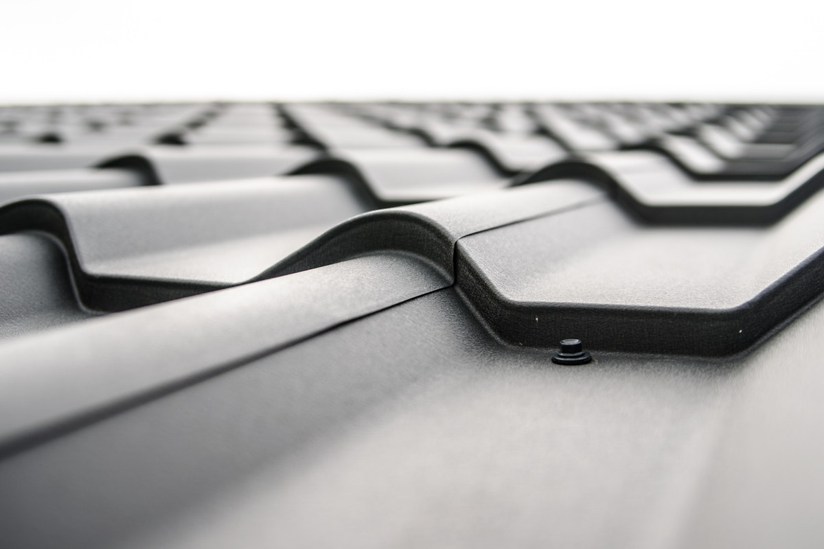 Four Ways to Protect Your Roof from Wind Damage