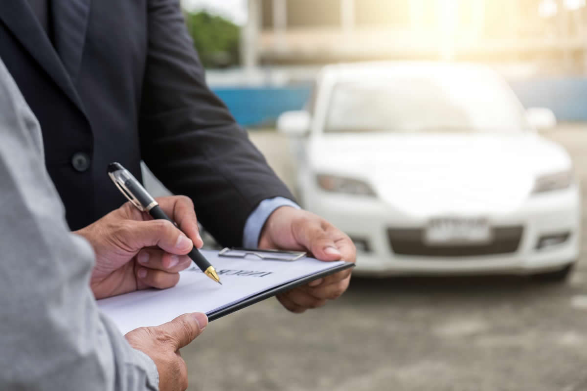 Four Qualities of a Great Public Insurance Claims Adjuster in Orlando, FL