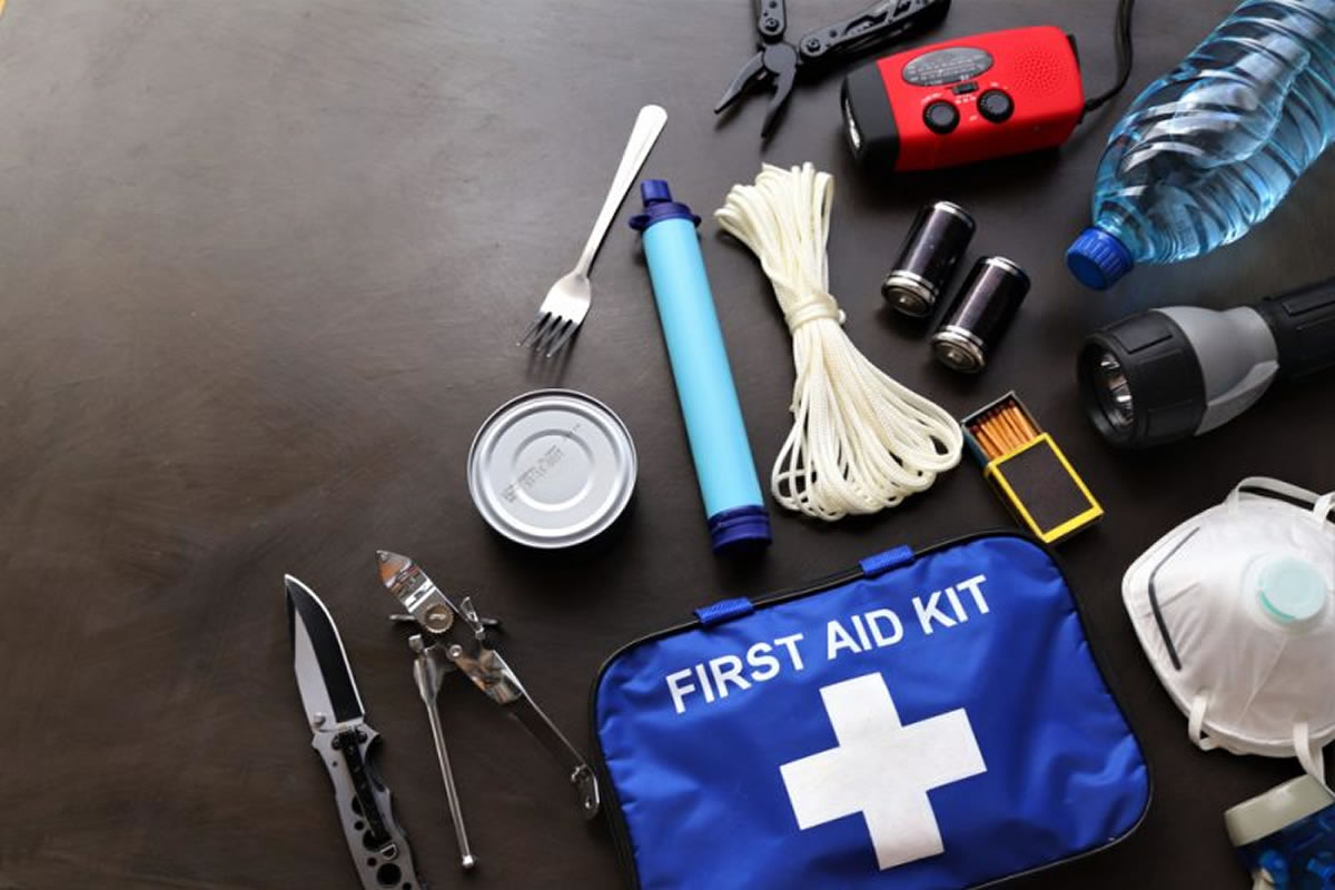 How to Pack an Emergency Evacuation Kit to Keep in Your Home